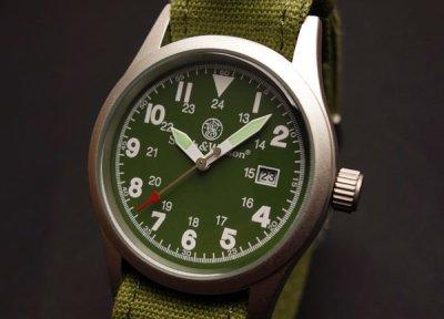 画像2: 腕時計 メンズ Smith & Wesson社 ブランド ミリタリーウォッチ ベルト3本セット 新品/オリーブ