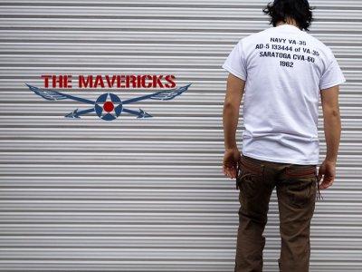 画像3: 米海軍 NAVY Seabees 蜂 モデル THE MAVERICKS ミリタリーTシャツ 半袖 / 白 ホワイト