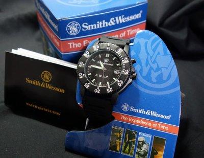 画像1: SWAT ミリタリーウォッチ 腕時計 メンズ Smith & Wesson 社 ブランド 新品/ブラック