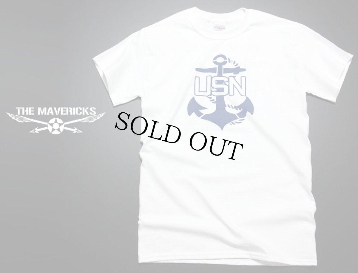画像1: 米海軍「USN錨マーク」モデル「THE MAVERICKS」ミリタリーTシャツ・白 (1)