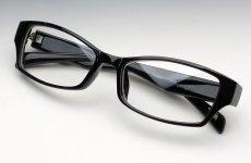 画像3: シンプルシャープな細めのスクエア系ダテメガネ・黒ブラック (3)