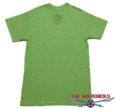 画像4: ミリタリー 半袖 Tシャツ US NAVY 米海軍 錨マーク MAVERICKS / ライムグリーン (4)