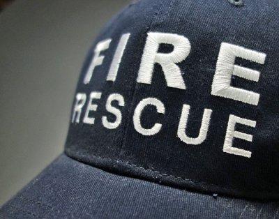 画像1: ROTHCO社製・「FIRE RESCUE(消防士)」ロゴ・ベースボールキャップ紺