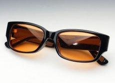 画像4: 存在感のあるブラック・ウェリントン型サングラス・オレンジレンズ (4)