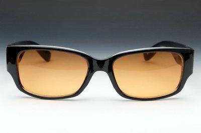 画像2: 存在感のあるブラック・ウェリントン型サングラス・オレンジレンズ