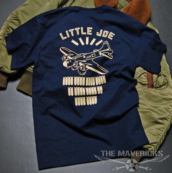 画像1: リトルジョー爆撃機モデル「THE MAVERICKS」ミリタリーTシャツ・紺 (1)