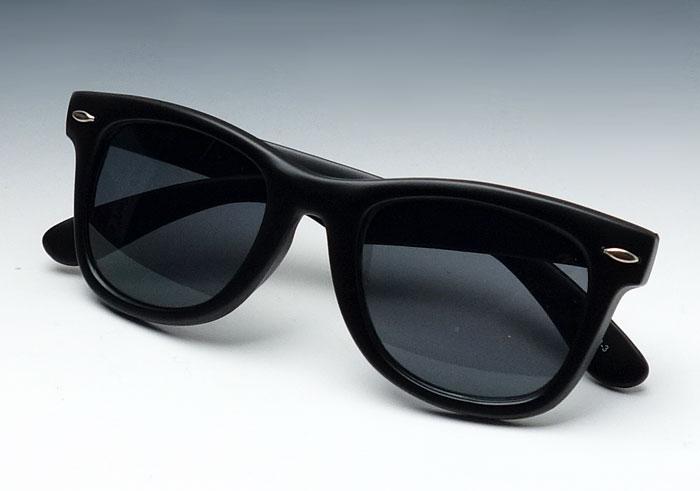 画像1: つや消しブラック・ウェイファーラー型・ブラックレンズ (1)