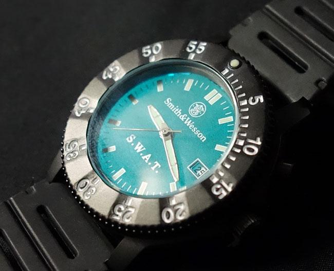 画像1: SWAT ミリタリーウォッチ 腕時計 メンズ Smith & Wesson 社 ブランド 新品/ブラック (1)