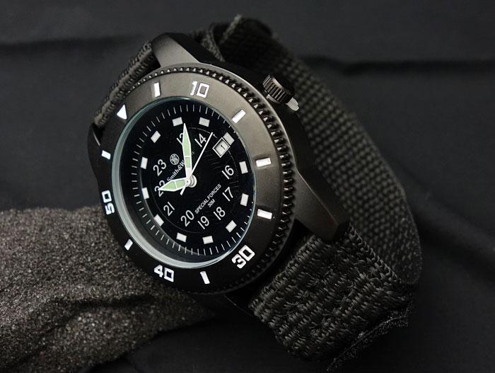 画像1: 腕時計 メンズ Smith&Wesson 社 ブランド コマンド ウォッチ 新品 / ブラック 黒 (1)