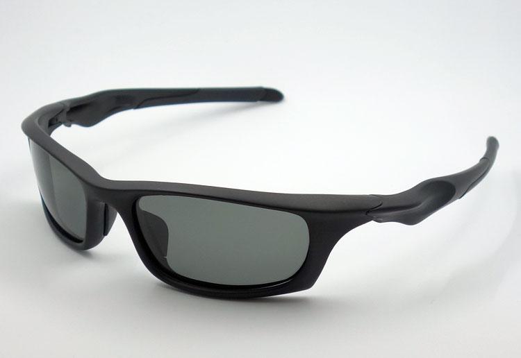 画像1: 軽量 24g 偏光レンズ スポーツ サングラス 黒 スモーク 新品 / ポラライズド (1)