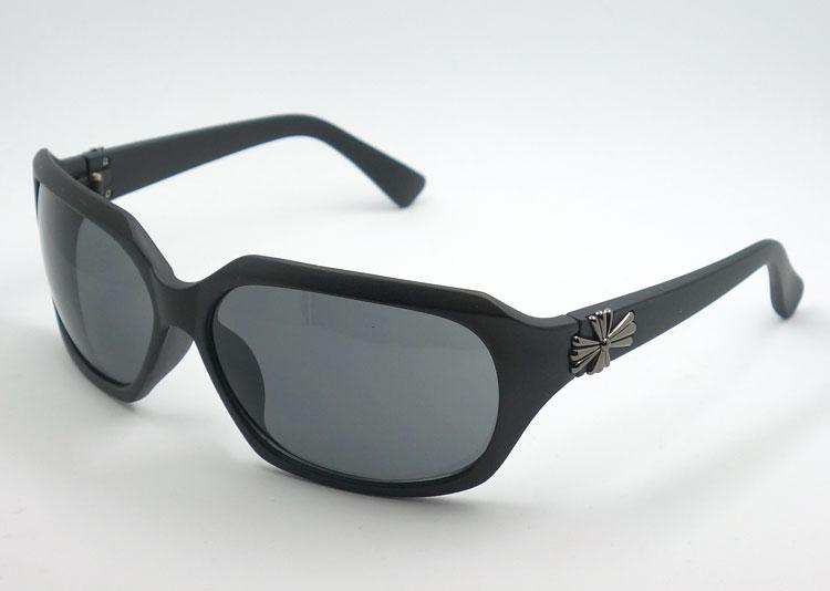 画像1: サングラス おしゃれ デカ目 クロス UVカット 新品 マットブラック 黒 (1)