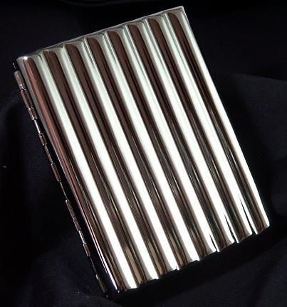 画像1: メタルのシガレットケース・ウェーブ・16本 (1)