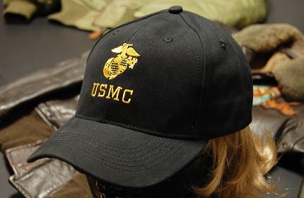 画像1: 帽子 メンズ ミリタリー キャップ ROTHCO ロスコ US MARINE オフィシャル USMC ロゴ / ブラック (1)