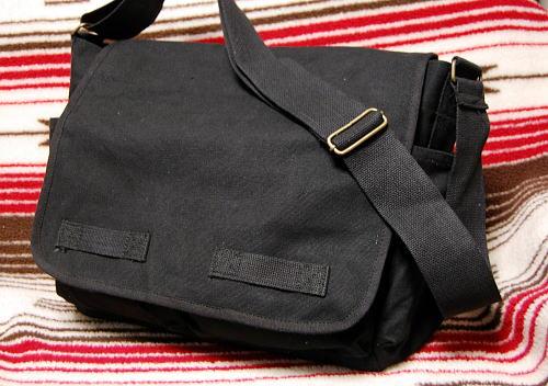 画像1: 大容量 メンズ ショルダーバッグ ROTHCO ロスコ 社製 メッセンジャーバッグ /ブラック 黒 (1)
