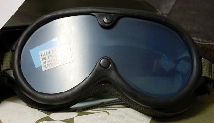 画像1: 米軍 ダスト ゴーグル ビンテージ ミリタリー レンズ2枚付属 ROTHCO 社製 ロスコ 新品/ブラック (1)